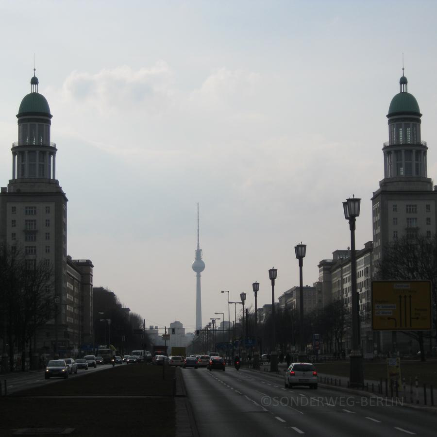 Blick über das Frankfurter Tor stadteinwärts